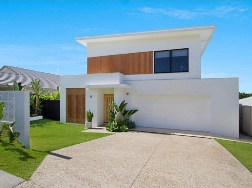 Custom Designed Contemporary Home – Elanora