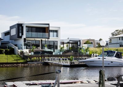Water Front Luxury Home in Helensvale